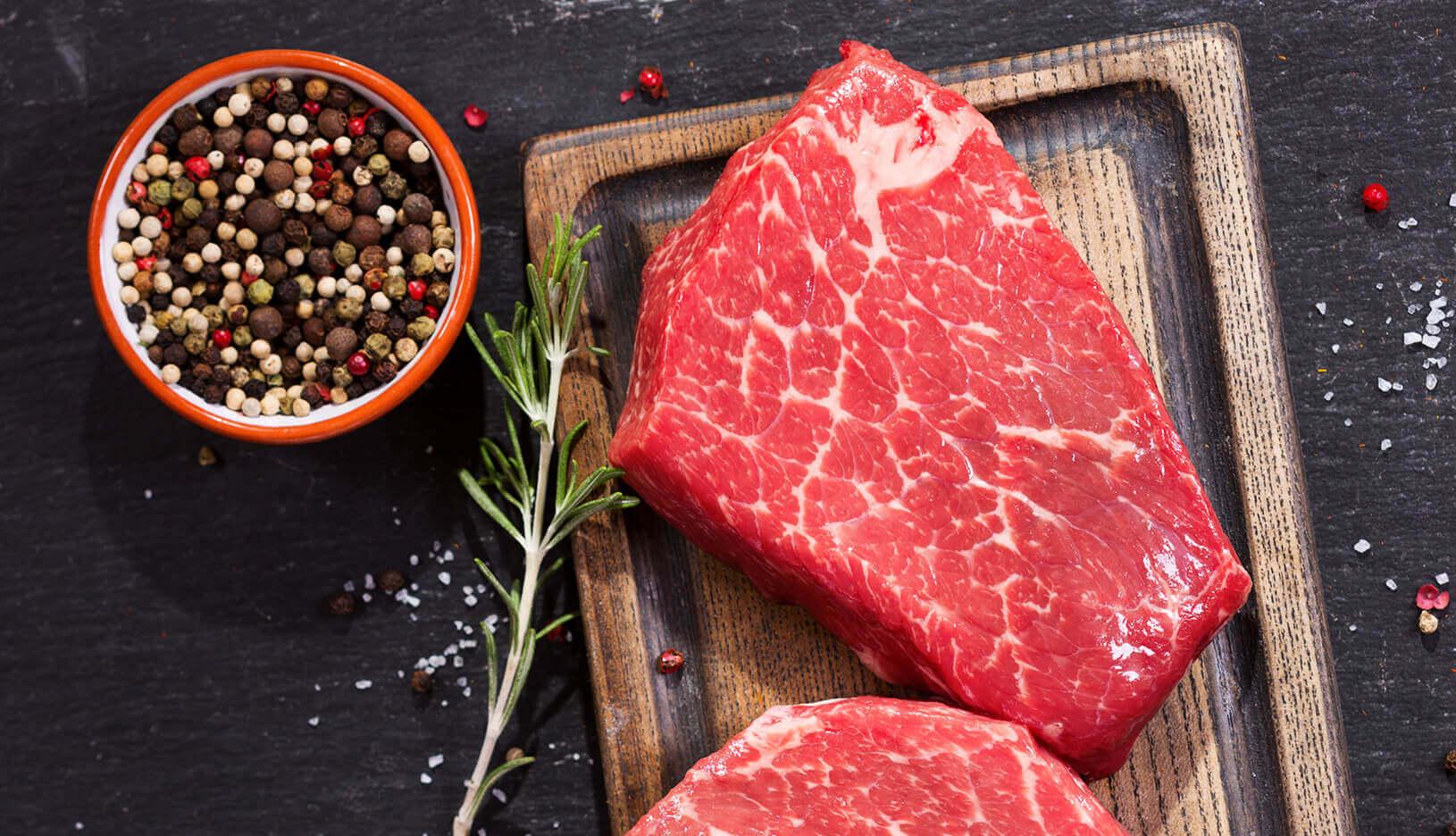 Steaks op plank